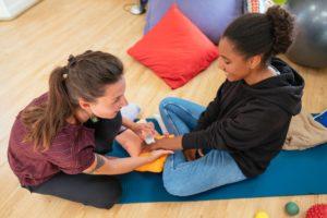 «CA FAIT DU BIEN DE OUF !» Médiation corporelle en protection de l'enfance