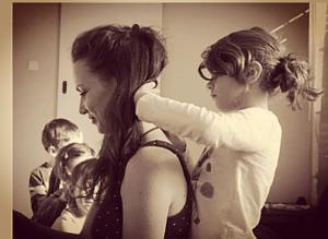 «MOI Z'ADORE LES MAZAZES !!» > Mes ateliers de Massage famille en structures sociales et culturelles